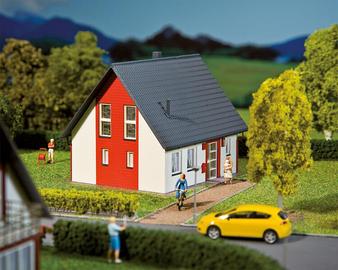 FALLER 130315 Detached house, red (HO)
