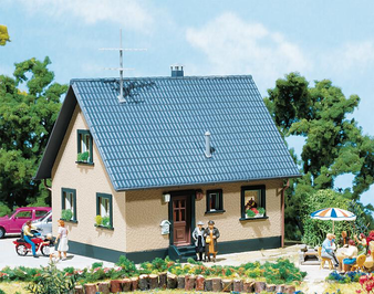 FALLER 130223 One-family house (HO)