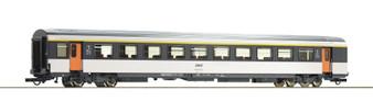 ROCO 74530 - 1st class corail open-plan coach, SNCF (DC HO)