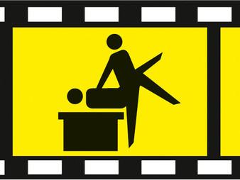 NOCH 15953 Lovers in Action (desk) (HO)