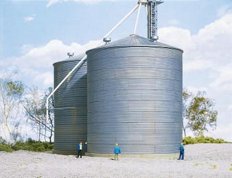 WALTHERS 533123 Big grain storage bin (HO)