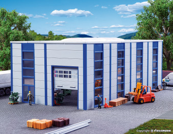 KIBRI 39250  Warehouse / Industrial hall, modern (HO)