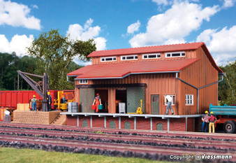 Vollmer 45701 Freight shed with side platform and loading crane (HO)