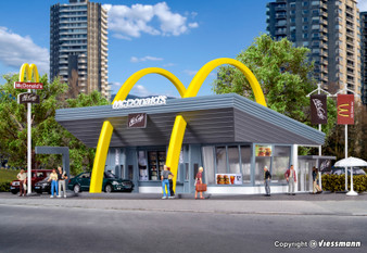 Vollmer 43634 H0 McDonald`s fast food restaurant with McDrive (HO)