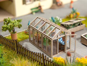NOCH 14357 Green House (HO)