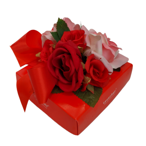 Fantasy Flower Roses 16 Pieces Box