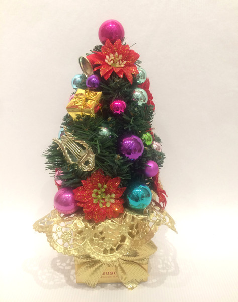 Christmas Tree with 8 truffes