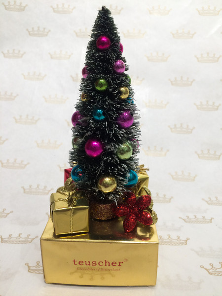 Christmas Tree with 4 truffles