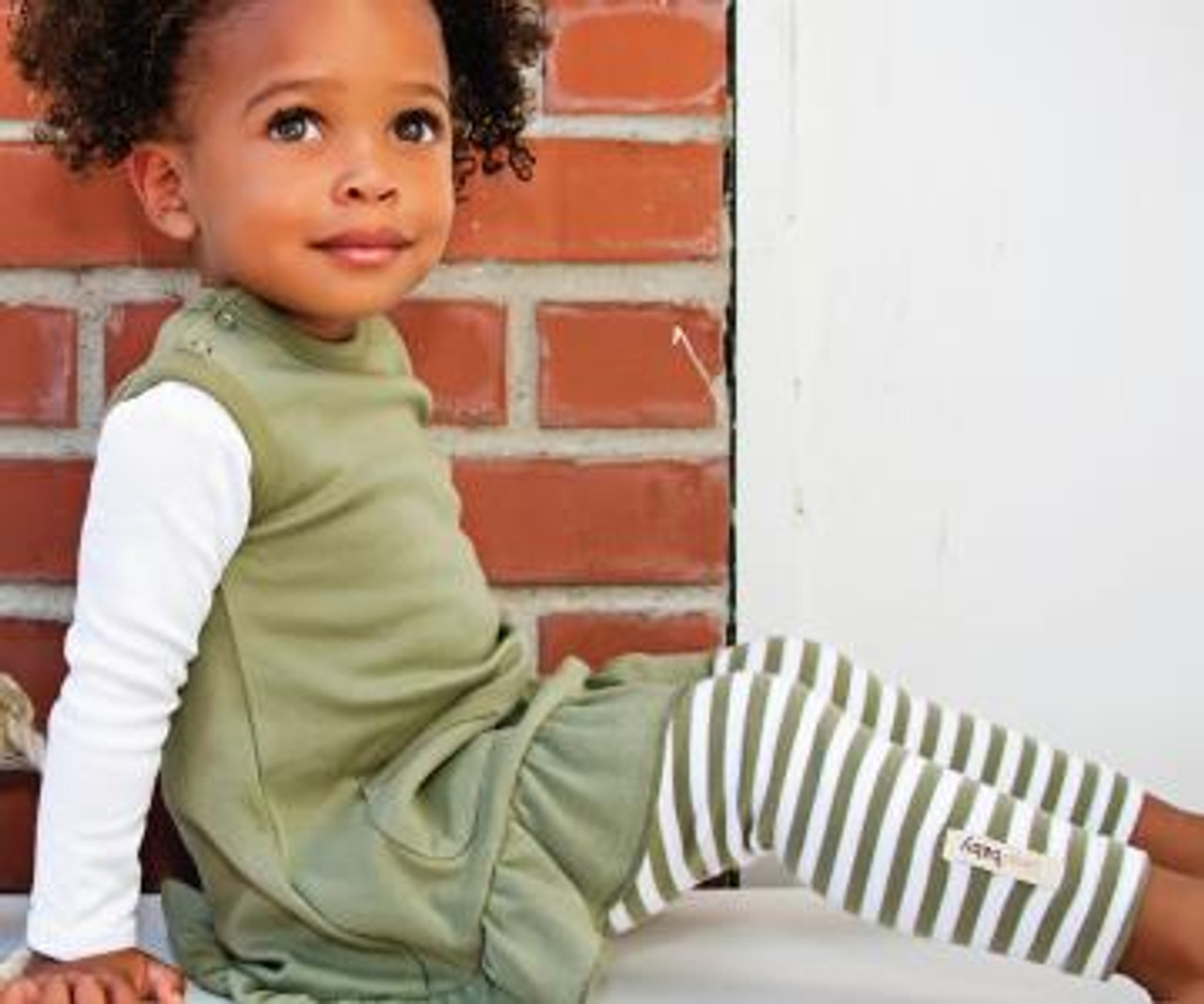 Organic Leggings in Sage/White, Lifestyle