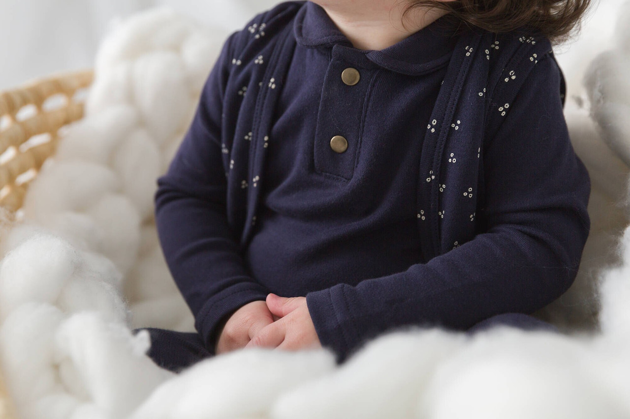 Organic Vest in Navy Dots, Lifestyle