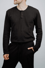 Men's Organic Thermal L/Sleeve Set in Black, Lifestyle