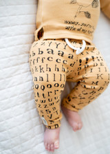 Organic Drawstring Leggings in Honey Letters, Lifestyle