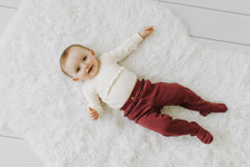 Organic Ruffle Footed Legging in Cranberry, Lifestyle