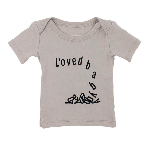 Organic Graphic S/Sleeve Shirt in Light Gray Falling for L'ove, Flat