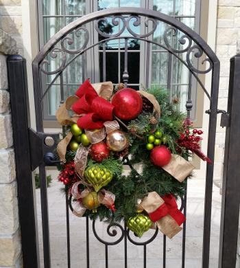 PHD Outdoor Holiday Wreath