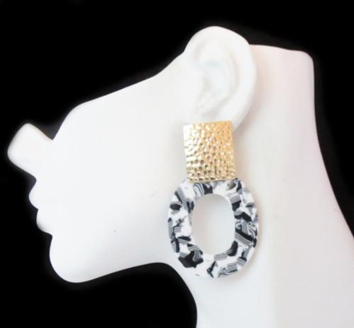 Post Earrings-21024
