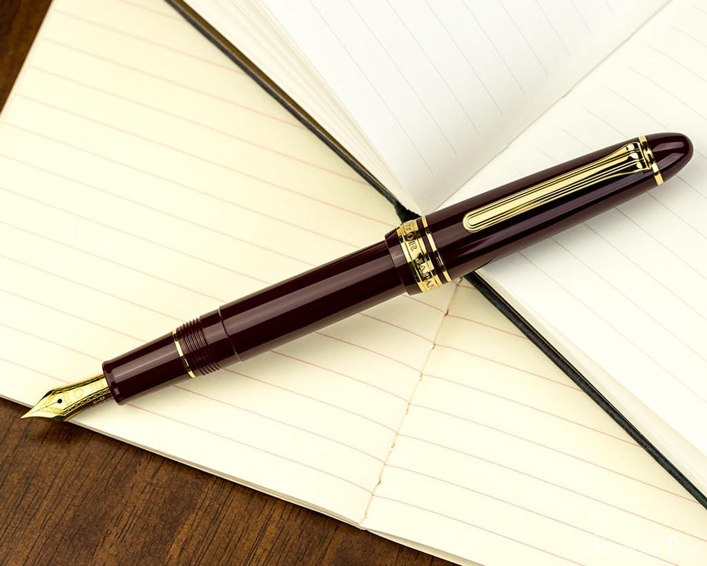 Sailor 1911 Standard Maroon Gold Trim 14K Extra Fine Point Fountain Pen NEW