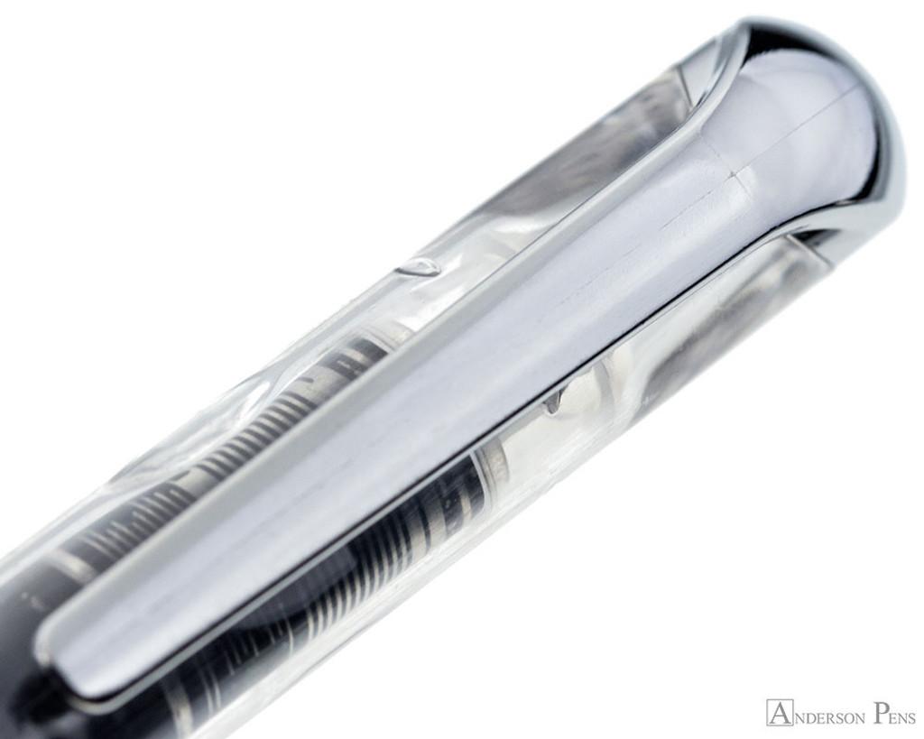 Itoya Blade Fountain Pen - Blue - Clip