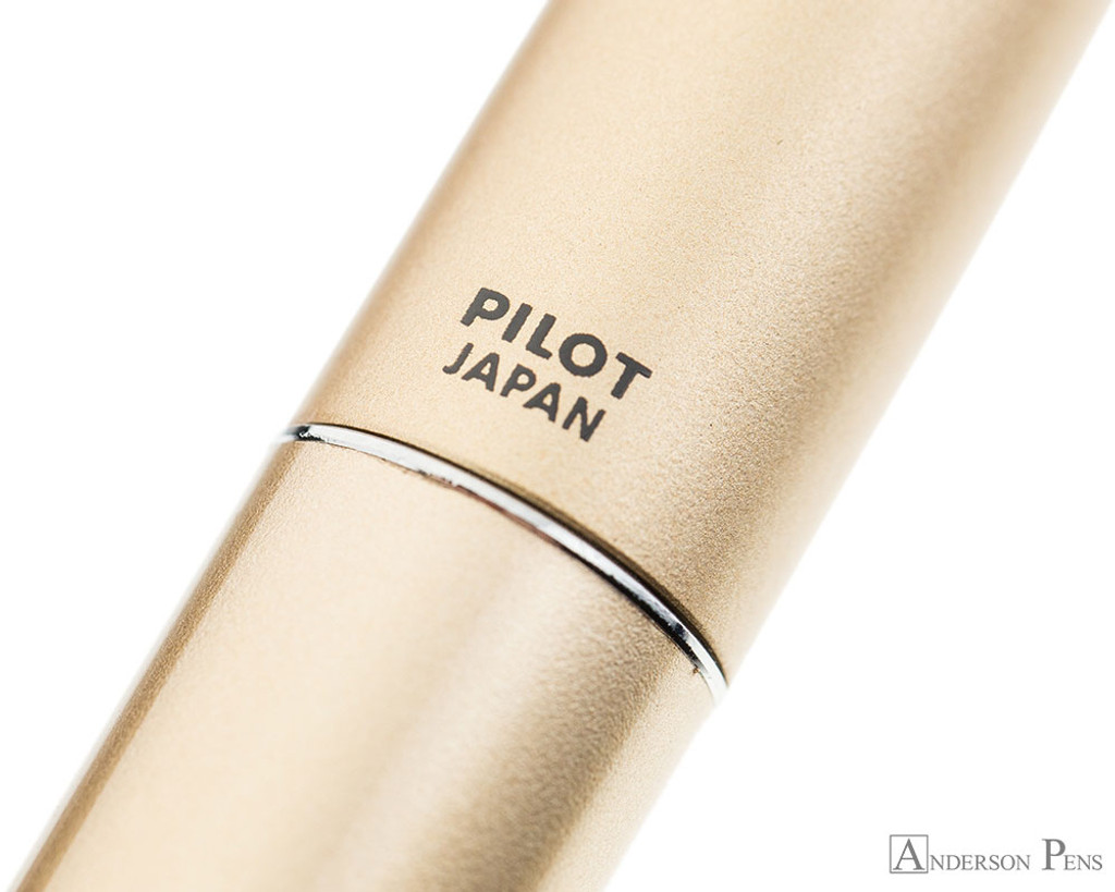 Pilot Metropolitan Fountain Pen - Gold Plain - Imprint