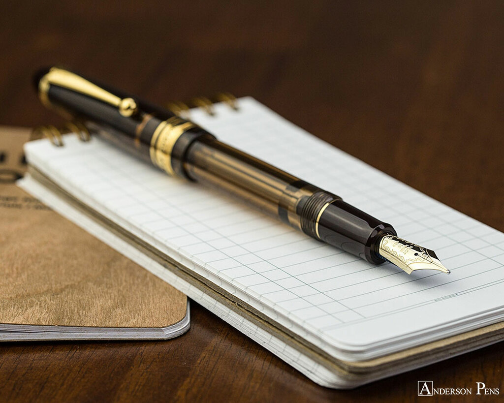 Pilot Custom 823 Fountain Pen - Amber