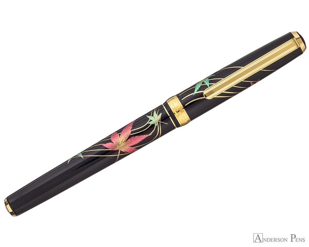 Platinum Classic Maki-e Kanazawa Leaf Fountain Pen - Autumn Leaves