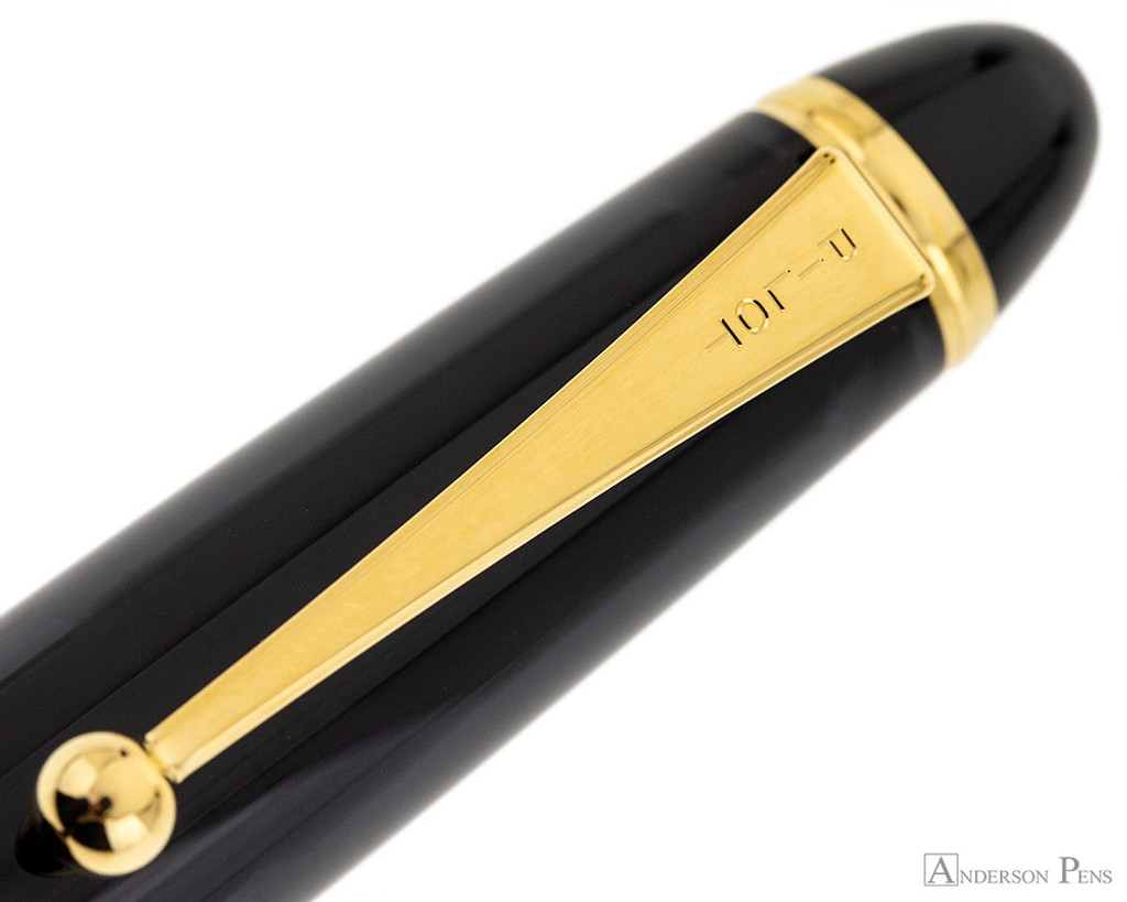 Pilot Custom 823 Fountain Pen - Smoke - Clip