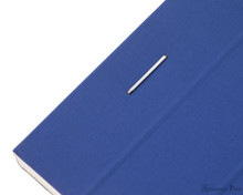 Rhodia No. 18 Premium Notepad - A4, Lined - Sapphire staple detail