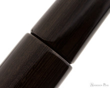 Platinum Izumo Fountain Pen - Bombay Black Wood Tagayasan Gloss - Pattern 2