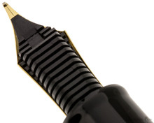 Sailor 1911 Realo Fountain Pen - Black with Gold Trim - Feed