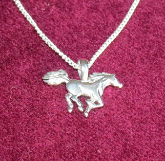 Horse pendant on trace chain - 925 Sterling Silver