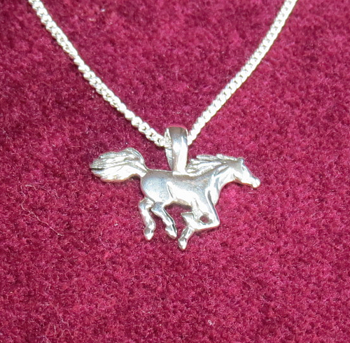 Horse pendant on trace chain - .925 Sterling Silver