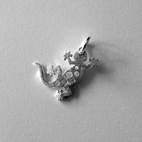 Gecko pendant - .925 Sterling Silver - matted