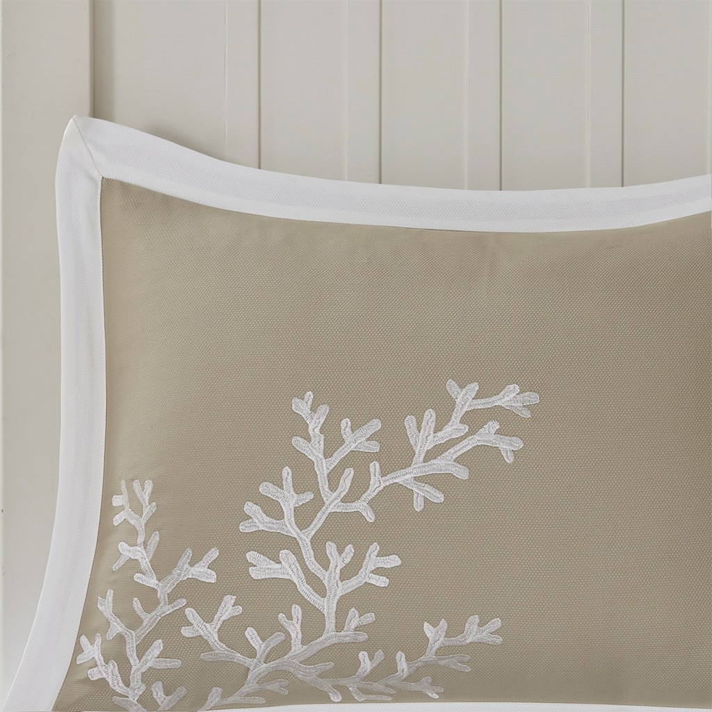 Sand and Shore Duvet Collection - King Size sham close up 1