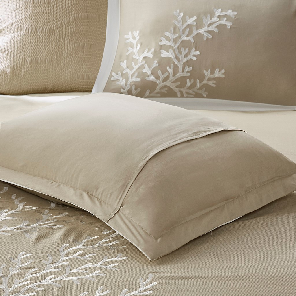 Sand and Shore Duvet Collection - sham and duvet close up 2