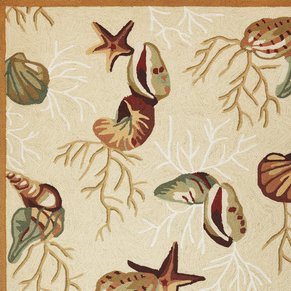 Beige Coral Reef and Shells Hand-Hooked Rug corner close up