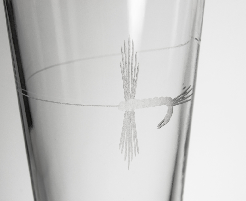 Fly Fishing Etched Pint Glasses - Set of 4 close up