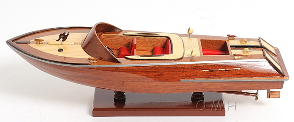The Runabout L40 Model Boat