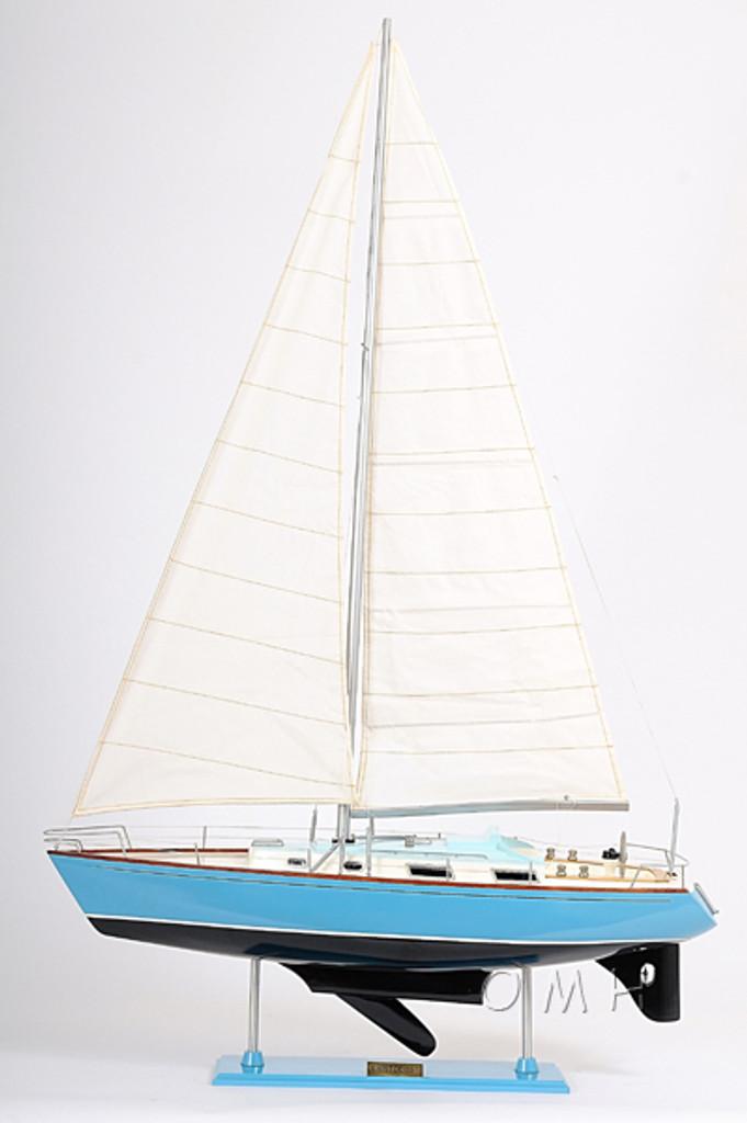 Bristol 35.5 Sailing Model front