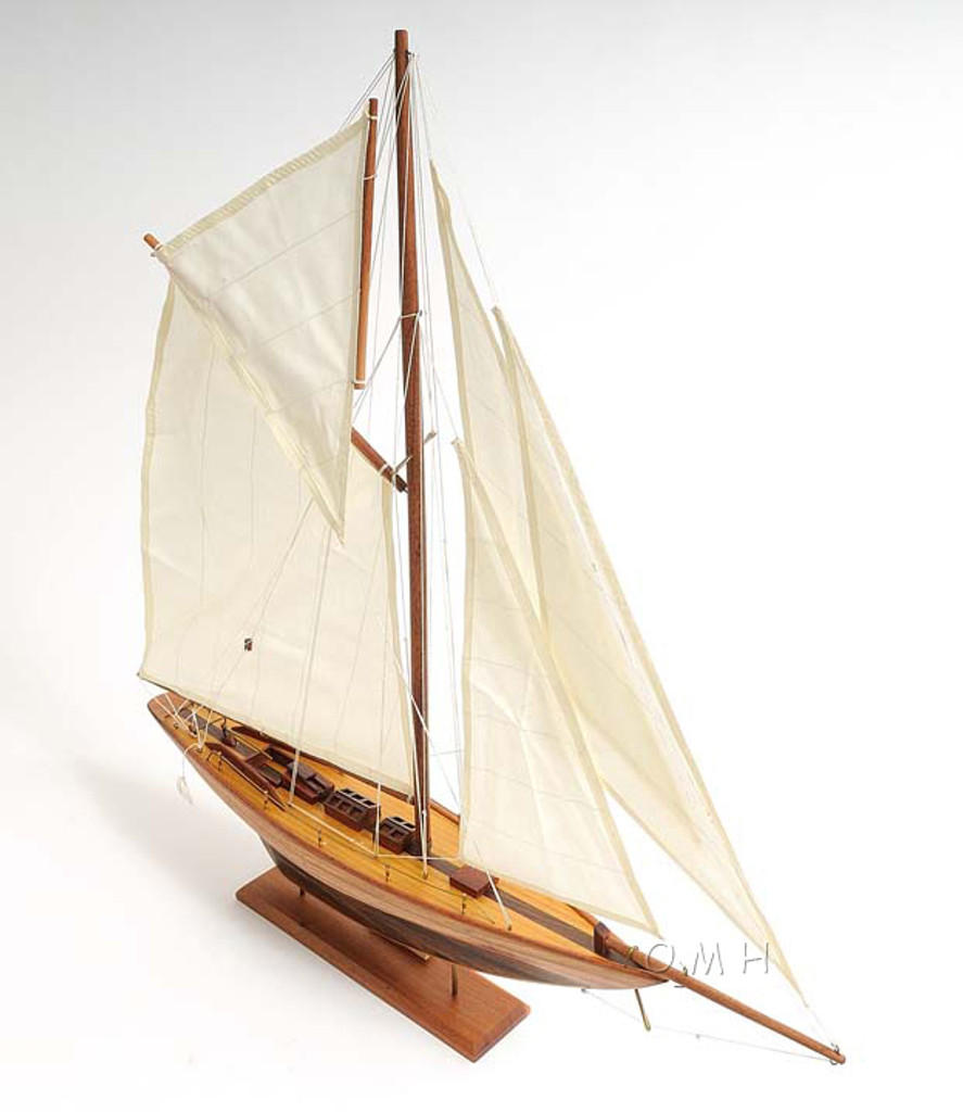 The Pen Duick Sailing Model - Small