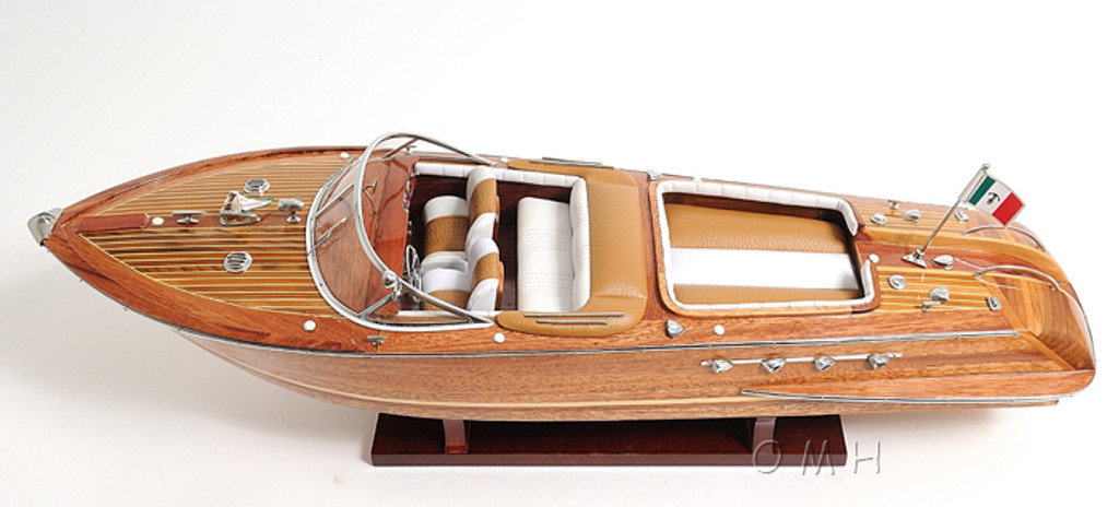 Aquarama Runabout Model