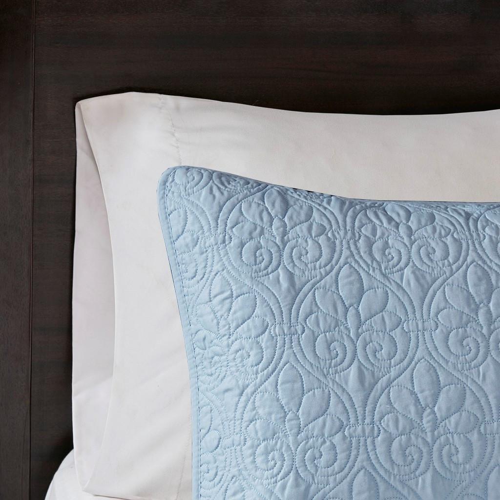 Hudson Bay Blue Quilted King Size Coverlet Set sham close up