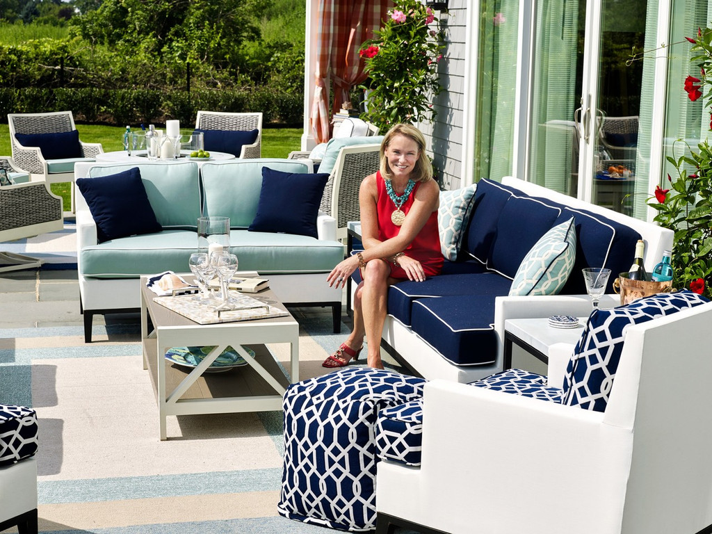 Hamptons Highview Border Rug by Libby Langdon - Spa Blue outdoor image