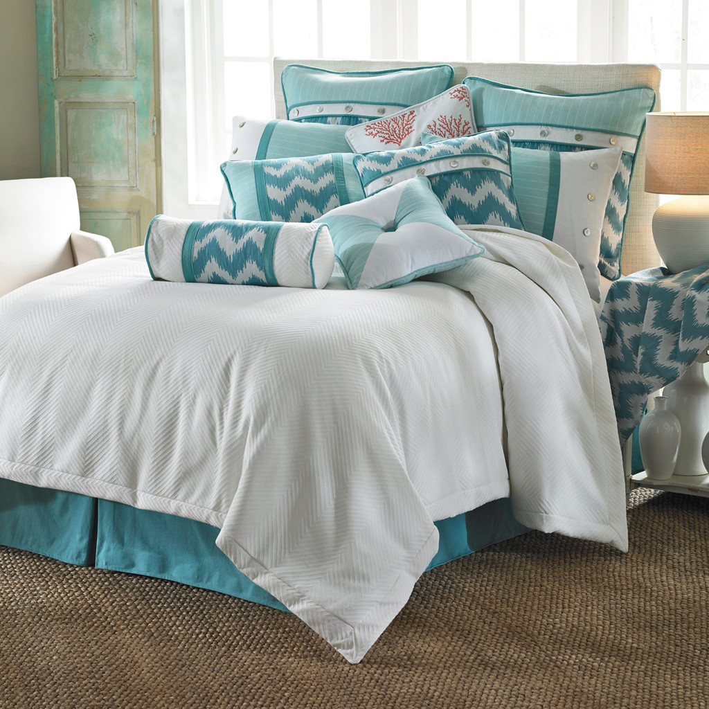 Catalina Queen Duvet Set  Note: shown with coordinating bedding accents