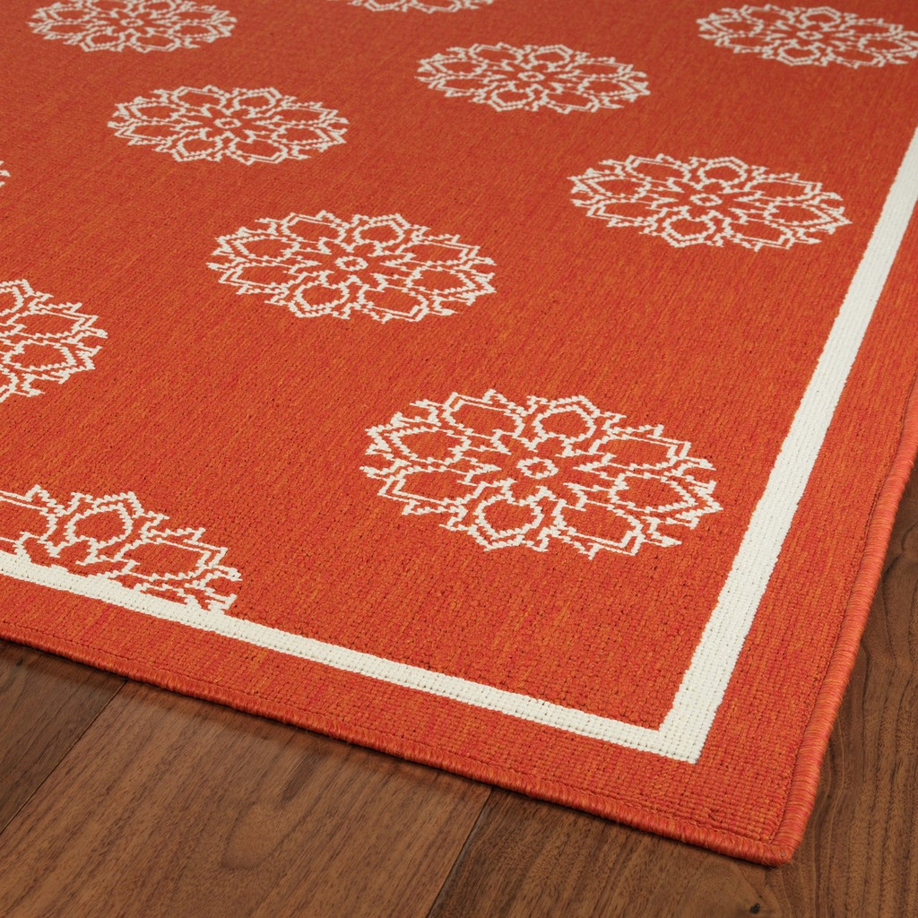 Tangerine Medallion Indoor-Outdoor Rug corner