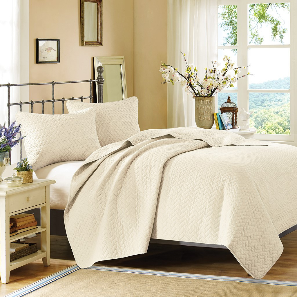 Vancouver Cove Ivory Velvet Touch Coverlet Set - King Size