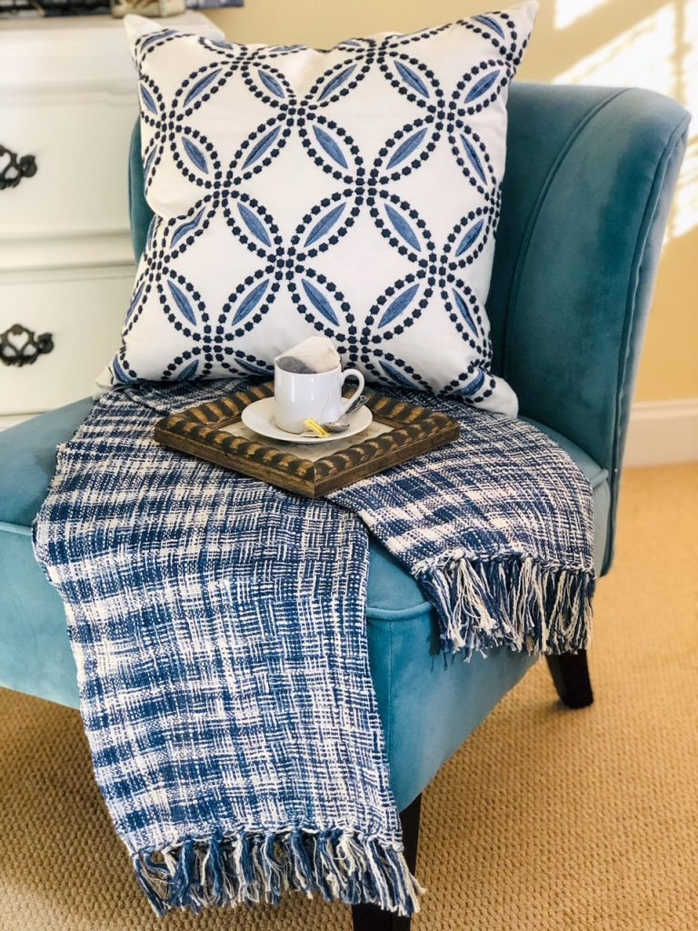Circle Back Blue and White Luxury Pillow with blue tortuga throw