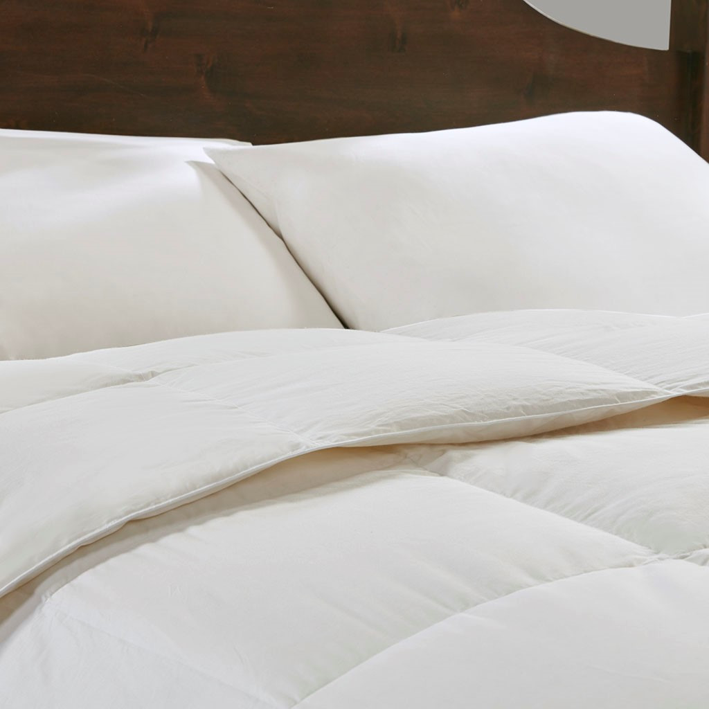 Light Warmth Oversized Down Comforter Insert - close up view