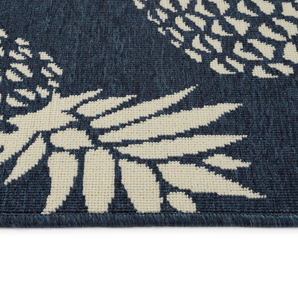 Navy Blue Pineapple Party Rug pile and edge