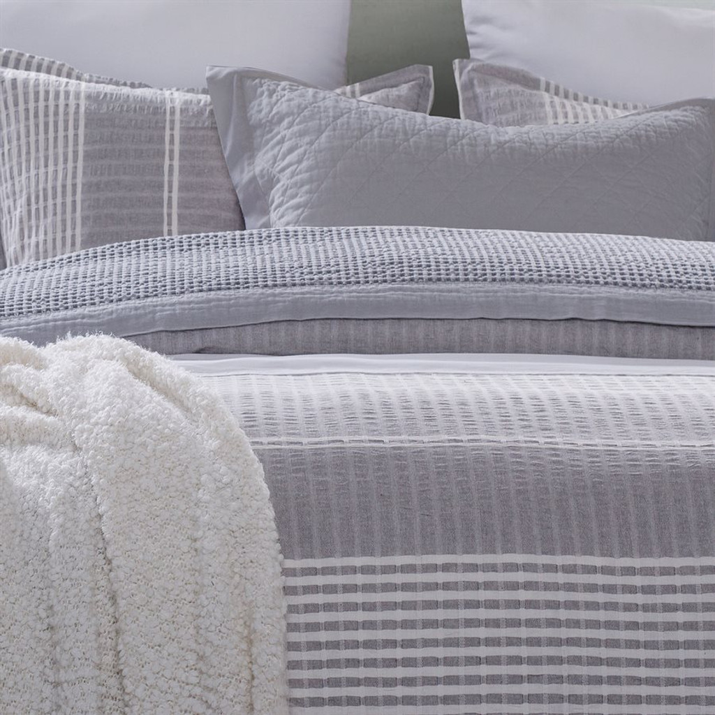 Waterfront Lane 3-Piece Stripe King Size Duvet Set close up