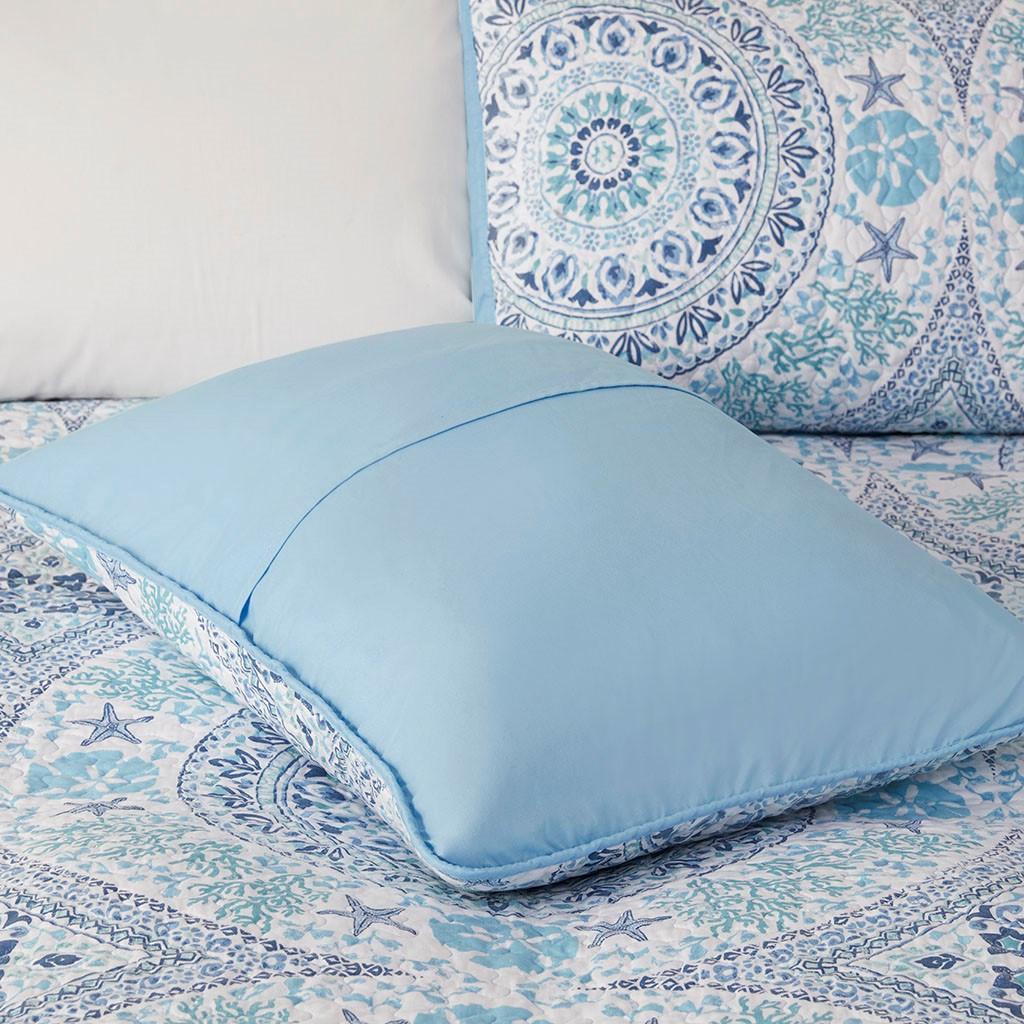 Summer Breeze 3-Piece Quilted Coverlet Set - Queen Size close up shams